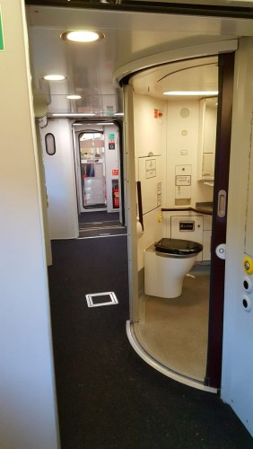 "Toby Rackliff 🏴󠁧󠁢󠁥󠁮󠁧󠁿🇬🇧🇪🇺 on Twitter: ""Impressed by  @CrossCountryUK #HST to Bristol today - now with sliding exterior doors,  full Rail Vehicle Accessibility Regulation compliance & retention tank  toilets (Sadly noon return trip"