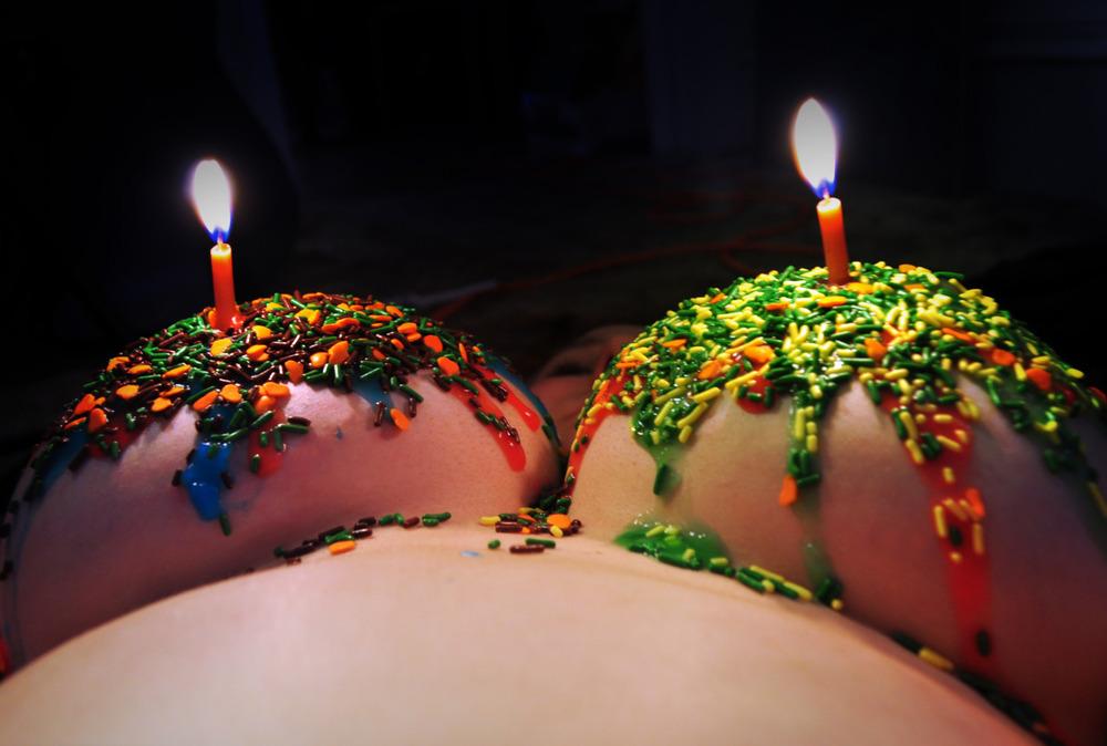 Candles.thumb.jpg.da31f719f85dbc4dd40d7baad9e6a6be.jpg