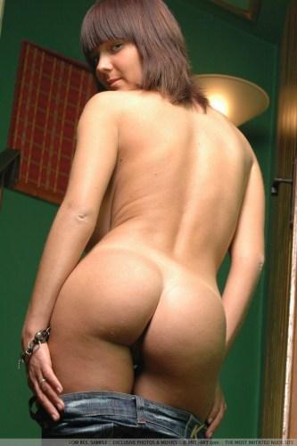 Lucy_2391_3.thumb.jpg.54398928475ca21624102337422deee1.jpg