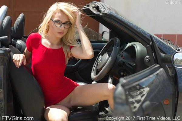 Chloe_14.thumb.jpg.ecf43610ec774355dff7aa6220a84e00.jpg