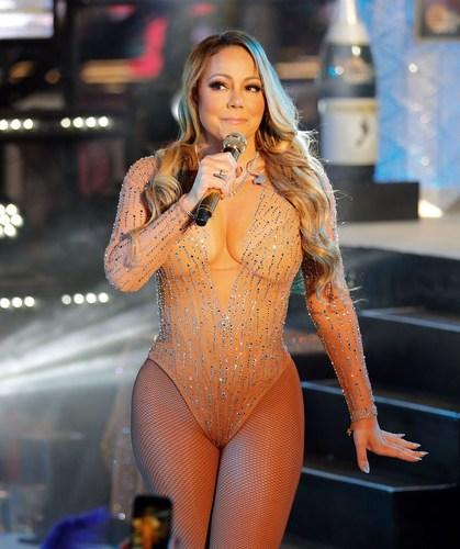 Mariah-Carey-Sexy-thefappening.so-23.thumb.jpg.4eec549a0abe6f4be4436e42bdeb82c1.jpg